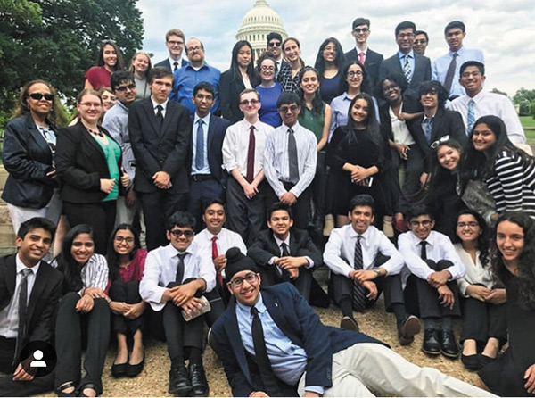 Stuart Wexler (back row, dark blue shirt, no jacket) with his students in Washington, D.C.